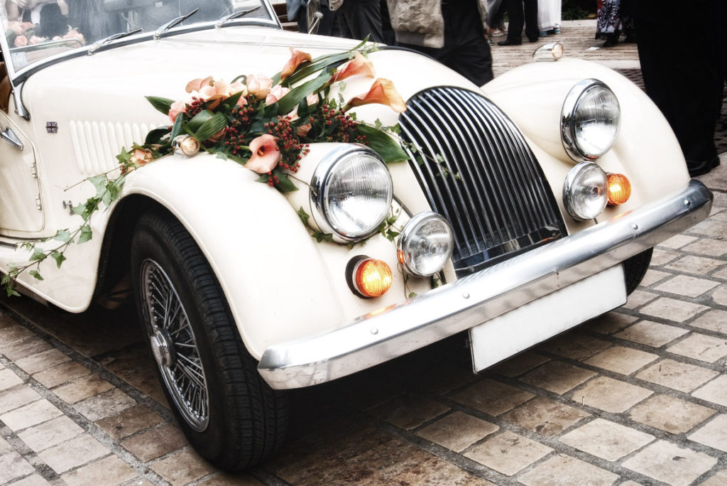 Enjoy Best Cab services with this Wedding season